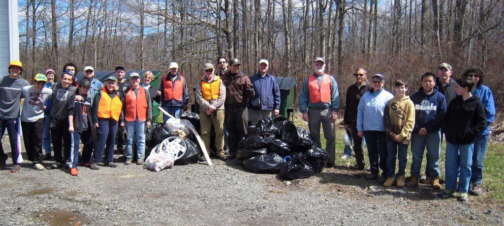 Volunteers-Roadside-Cleanup